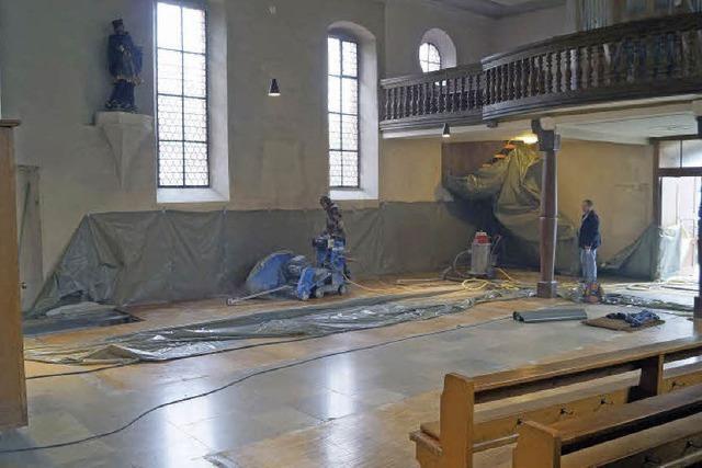 Die Renovierungsarbeiten in der Lieler Pfarrkirche St. Vinzenz haben begonnen