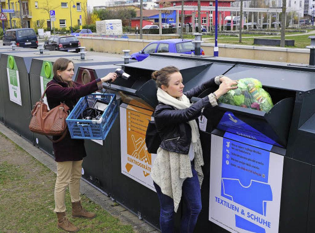 recycling hoch drei in drei stadtteilen freiburg s dwest. Black Bedroom Furniture Sets. Home Design Ideas