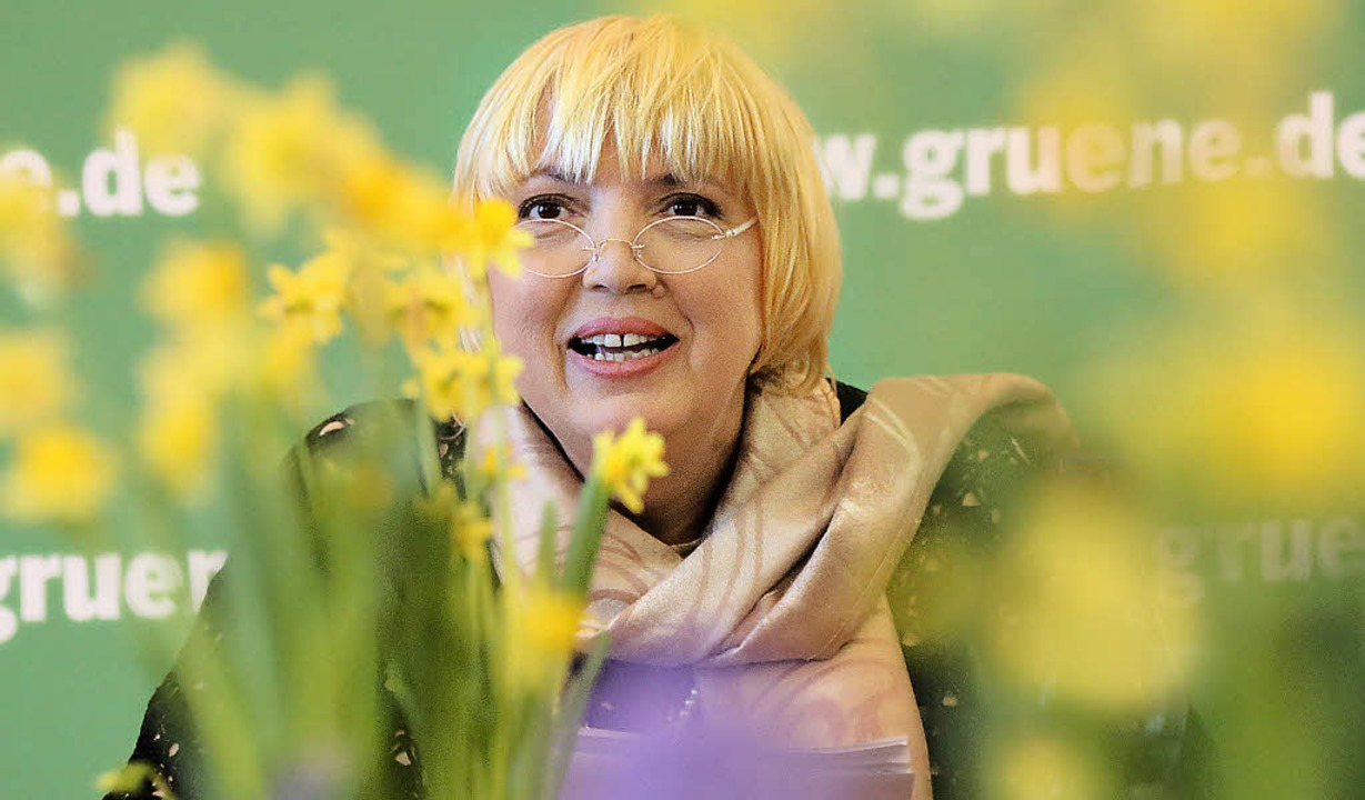 "Grünen-Chefin Claudia Roth kündigte an... Blaue vom Himmel versprechen"".   | Foto: dpa"
