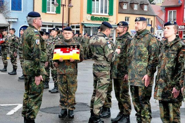 Feierlicher Appell für Kosovo-Heimkehrer