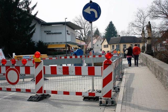 Gewerbeverband fordert: Bauarbeiter in Bad Krozinger Innenstadt sollen länger schaffen