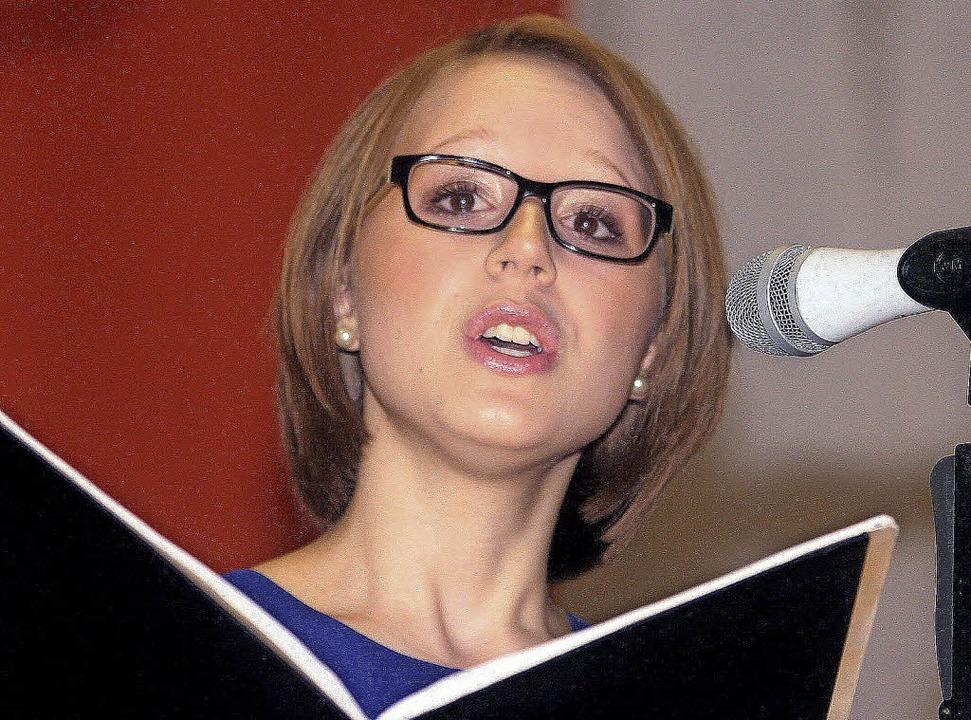 Die Sängerin Jasmin Nopper aus Ringsheim trat beim Konzert in Altdorf auf.   | Foto: Sandra Decoux-Kone