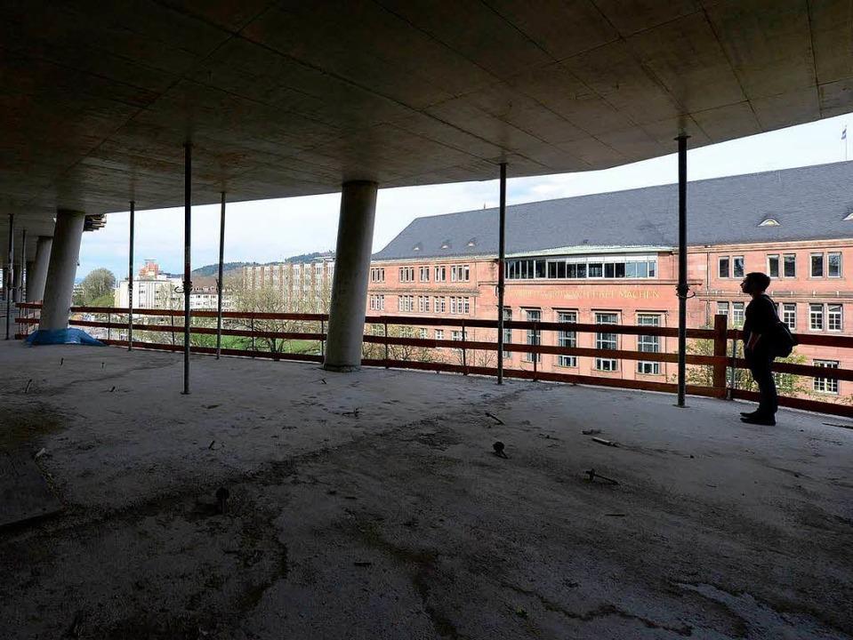 1800 Tonnen Stahl und 12000 Kubikmeter...schen Stockwerke der UB verbaut worden  | Foto: Ingo Schneider