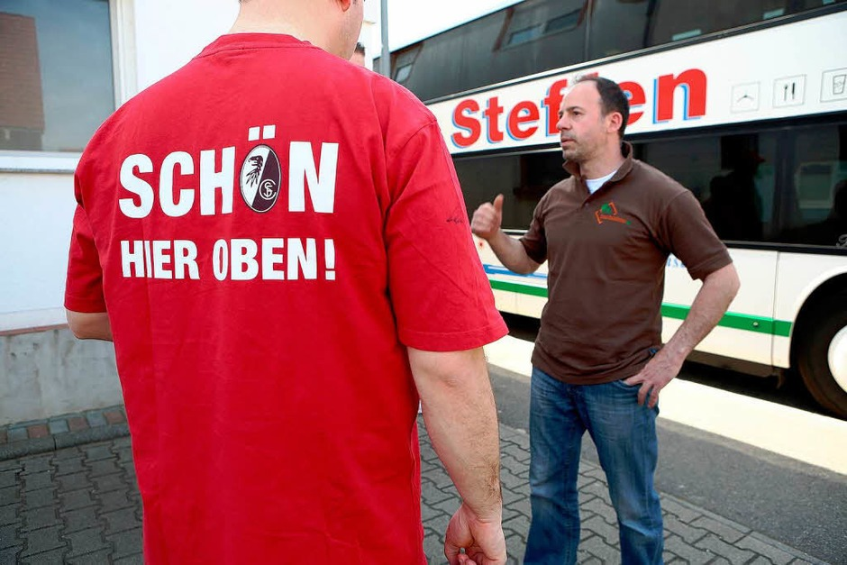 Auch In Kappel-Grafenhausen haben sich zig Fans auf den Weg nach Stuttgart gemacht: Sie wollen dae DfB-Pokal-Halbfinale live sehen. (Foto: Christoph Breithaupt)