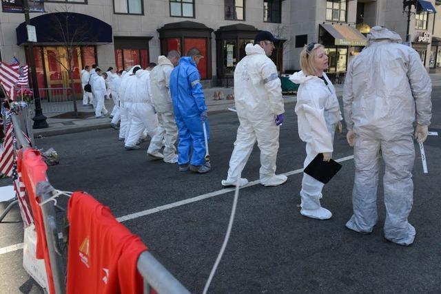 Medien: Polizei sucht zwei Verdächtige nach Boston-Anschlag