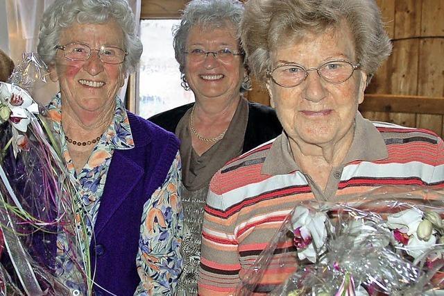 100 Geschenke einpacken und 100 Senioren besuchen