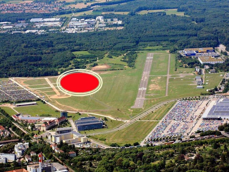 Etwa an dieser Stelle (rotes Oval) kön...eue Stadion des SC Freiburg entstehen.  | Foto: Erich Meyer