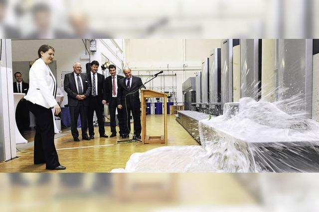 Poppen & Ortmann weiht neue Bogenoffsetmaschine ein