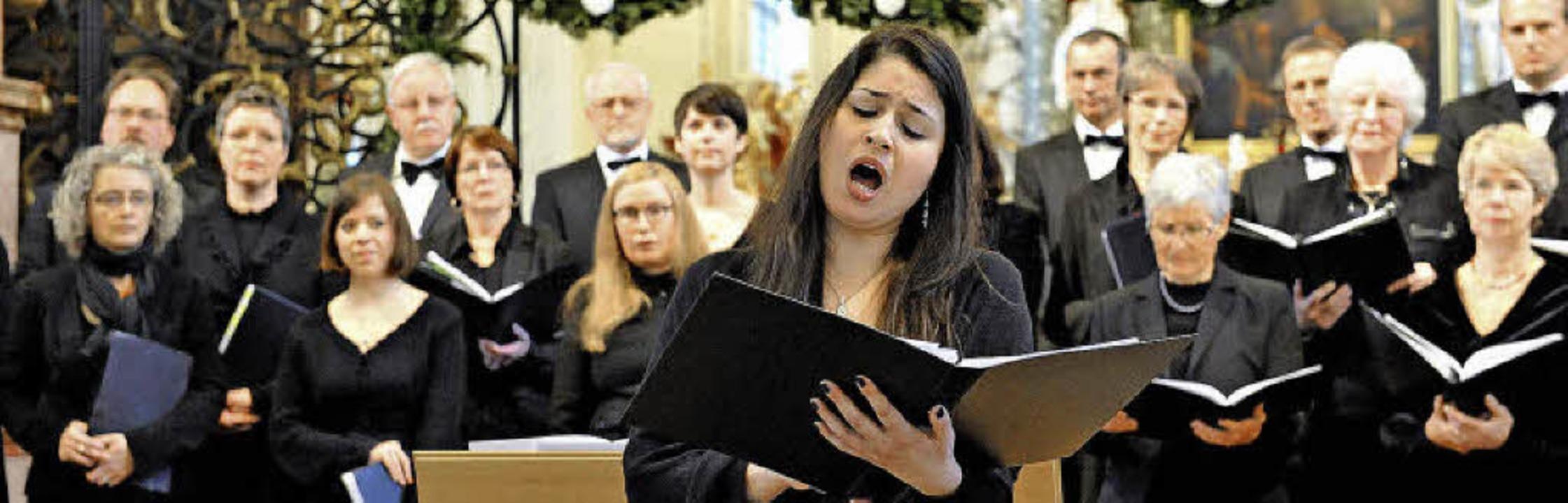 Sopranistin Lisa López sang beim Konze...namerikanischer Barockmusik die Soli.     Foto: Franziska Löffler