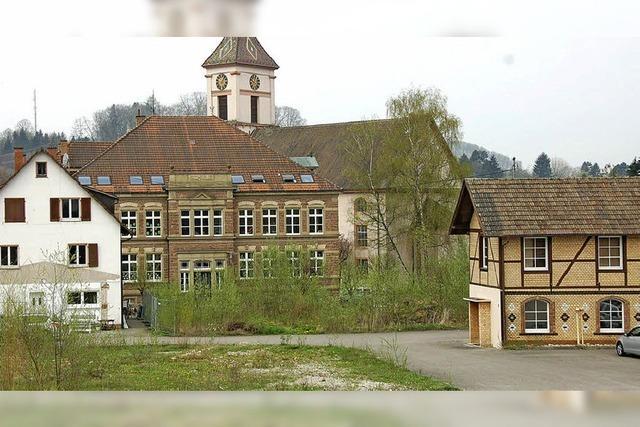 Toka baut erstes Gebäude