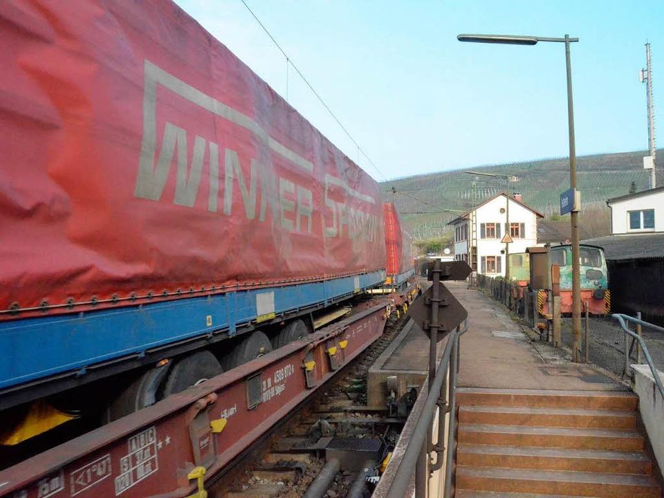 Nicht nur Hupac-Züge, sondern auch son... Unser Archivbild entstand in Istein.   | Foto: langelott