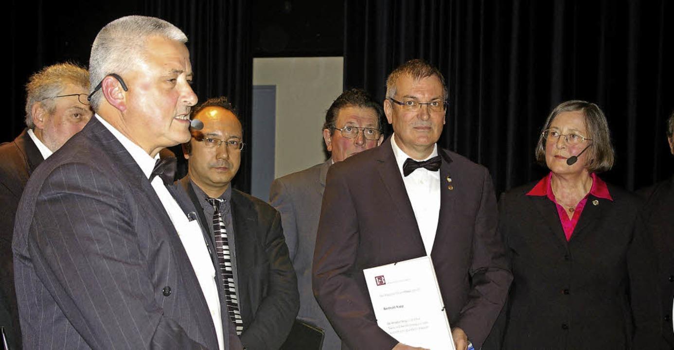 Bei den Ehrungen (von links): Josef Bu... Berthold Kapp und Kornelia Stabenow.   | Foto: Ernst Hubert Bilke