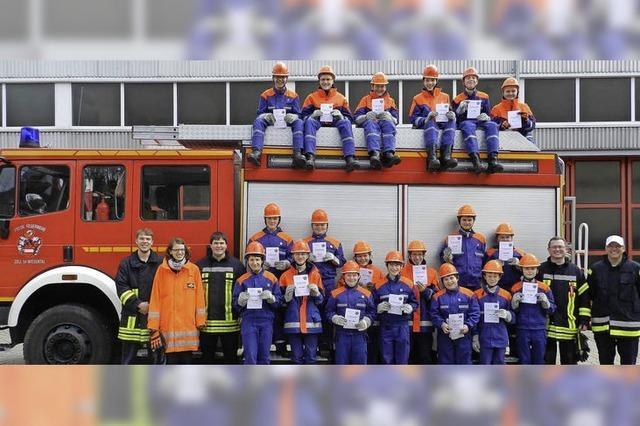 Erster Leistungstest für junge Feuerwehrleute
