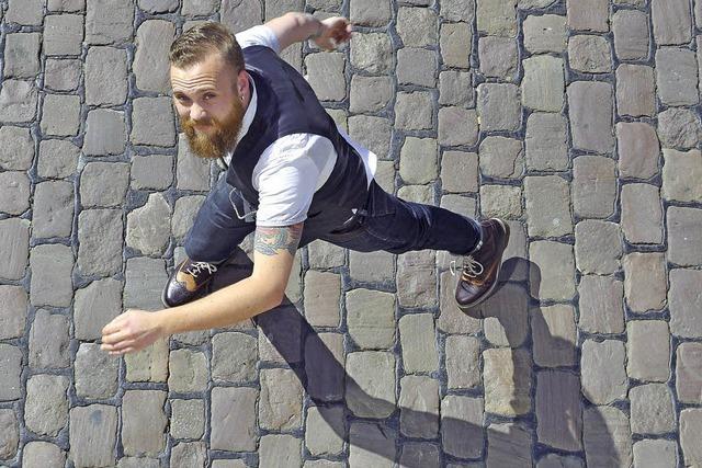 Tingelnd und tanzend durch Europa