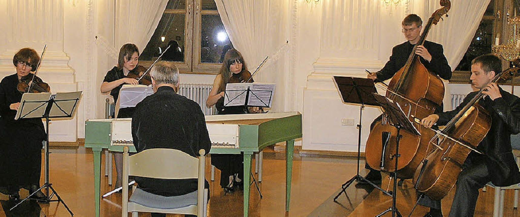 Die Kammersolisten Minsk gestalteten d...klassik begeisterten sie ihr Publikum.  | Foto: Margrit Matyscak