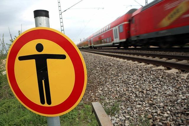 Gleise weiter ohne Brücke