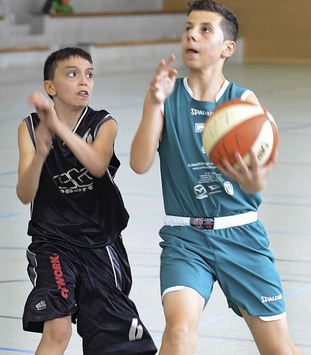 Vergeblich war der Sieg der Lörracher U-14-Basketballer (grün) gegen Mannheim.   | Foto: Rogowski