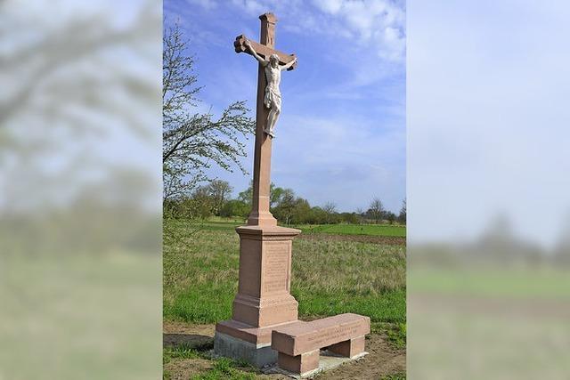 Altes Kreuz in neuem Glanz