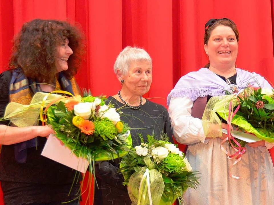 Mitwirkende Anita Waibel (Musikschule)...indern den Volkstanz einstudiert hatte  | Foto: Edgar Steinfelder