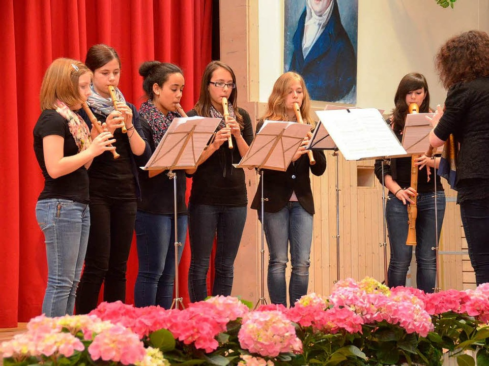 Die Flötengruppe der Musikschule  | Foto: Edgar Steinfelder