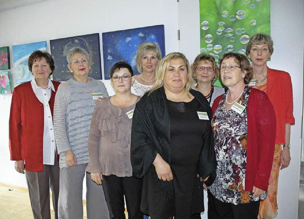 Acht Malerinnen zeigen zurzeit in eine...unz-Stiftung in Hauingen ihre Bilder.   | Foto: Wieschenkämper