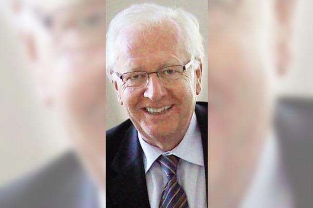 Altbürgermeister Dieter Klotz berät die Griechen