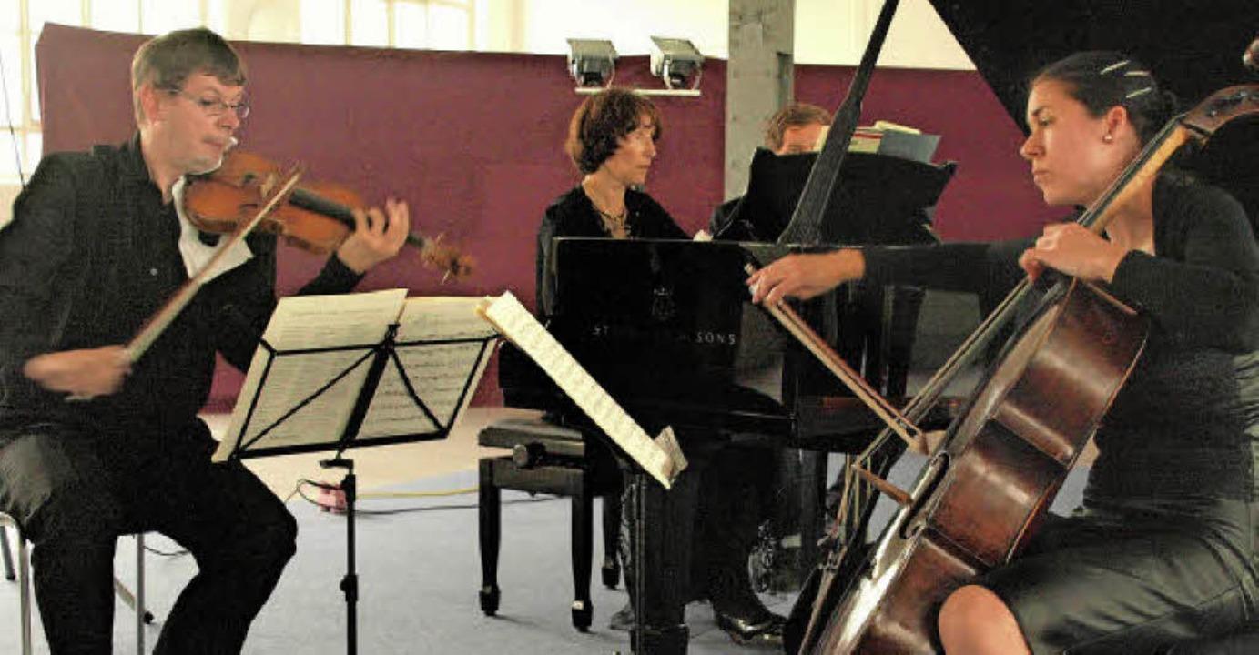 Im ersten Konzert der Saison auf dem K...en, die zahlreich erschienenen Zuhörer  | Foto: Karin Stöckl-Steinebrunner