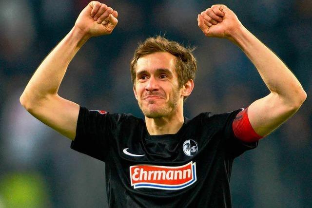 Julian Schuster spielt auch nächstes Jahr beim SC Freiburg