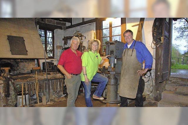 Der Federhammer wiegt eine Tonne
