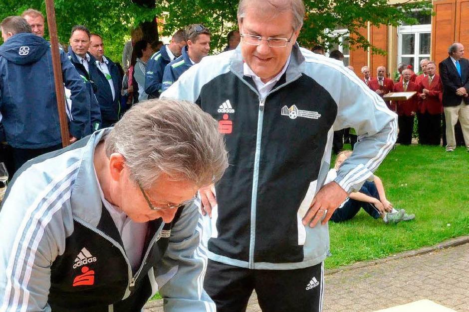 Uwe Lübking (vorne), sportpolitischer Betreuer der Bürgermeisternationalmannschaft und Joachim Schuster (Foto: Tanja Bury)