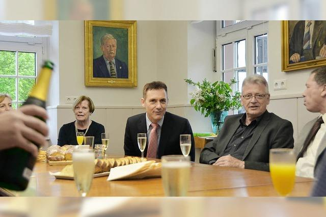 Bürgermeister Jörg Lutz empfängt viele Gäste