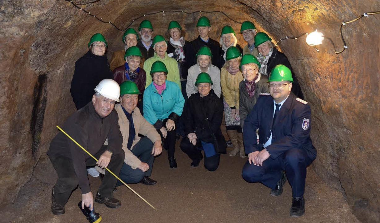 Grüne Helme für Gäste und Gastgeber: im neuen Höhlenmuseum Meerane    Foto: zVg