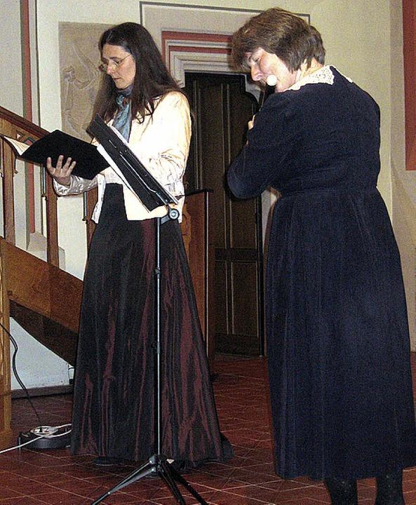 Frauke Hofmann und Sonja Kanno-Landell...er Interpretation in der Stadtkirche.   | Foto: Hildegard Karig
