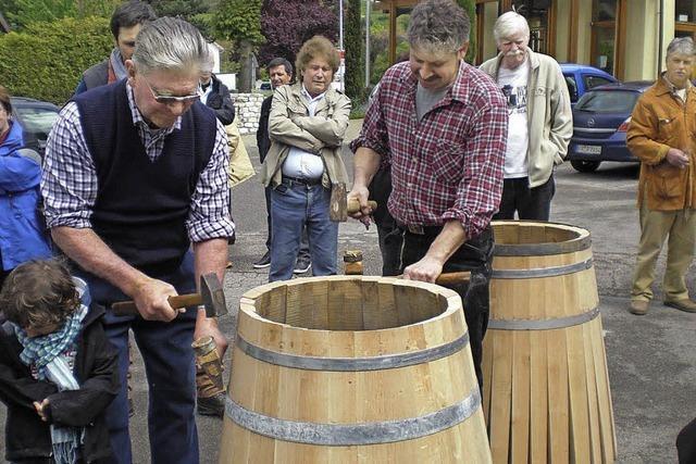 Wein und leckerer Spargel