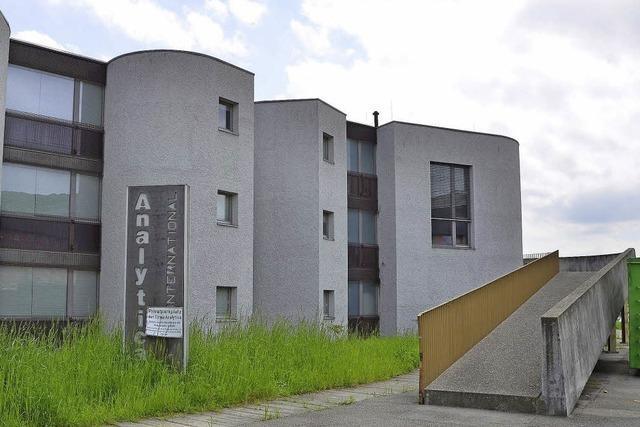 Kinderbetreuung im ehemaligen Betriebsgebäude von Analytica
