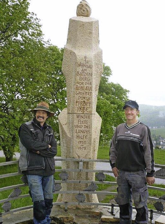 Wolfgang Wieder (links) und Jörg Hermanowski haben das Denkmal restauriert.  | Foto: Franz Hilger