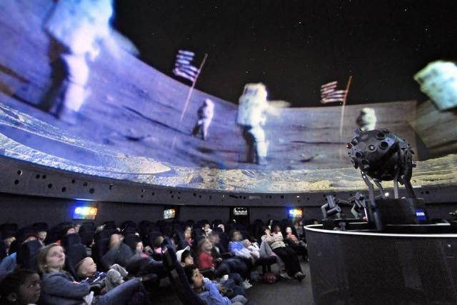 Projektionsanlage schrott - das Planetarium schließt für vier Monate