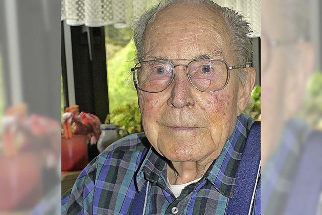 Der Ehrenkommandant wird 90 Jahre