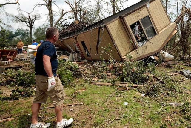 24 Tote nach Tornado in Oklahoma