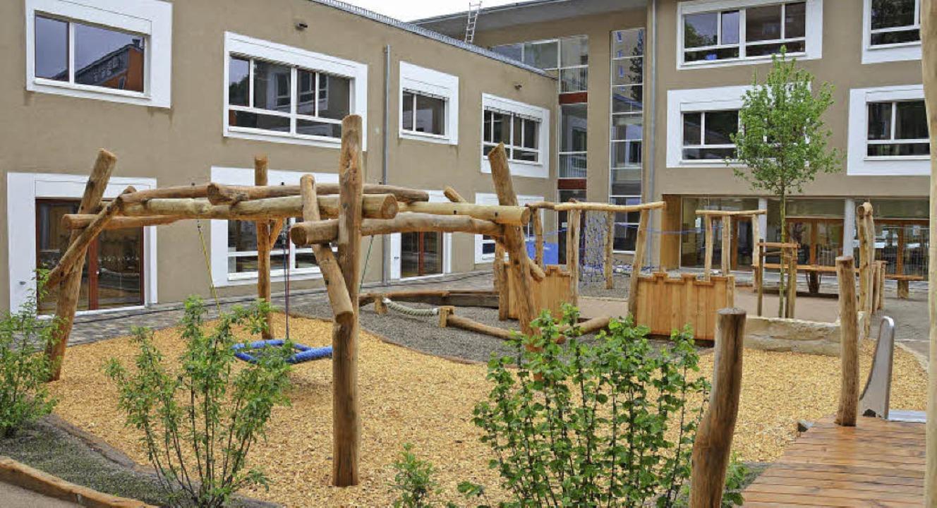 Karl-Rolfus-Schule in der Wallbrunnstr...upädagogen haben Schüler mitarbeitet.     Foto: Nikolaus  Trenz