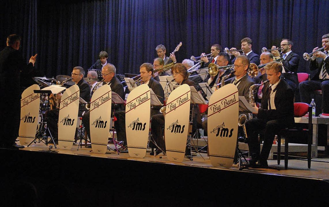 JMS Bigband unter der Leitung Kilian Heitzlers  | Foto: Marion Pfordt