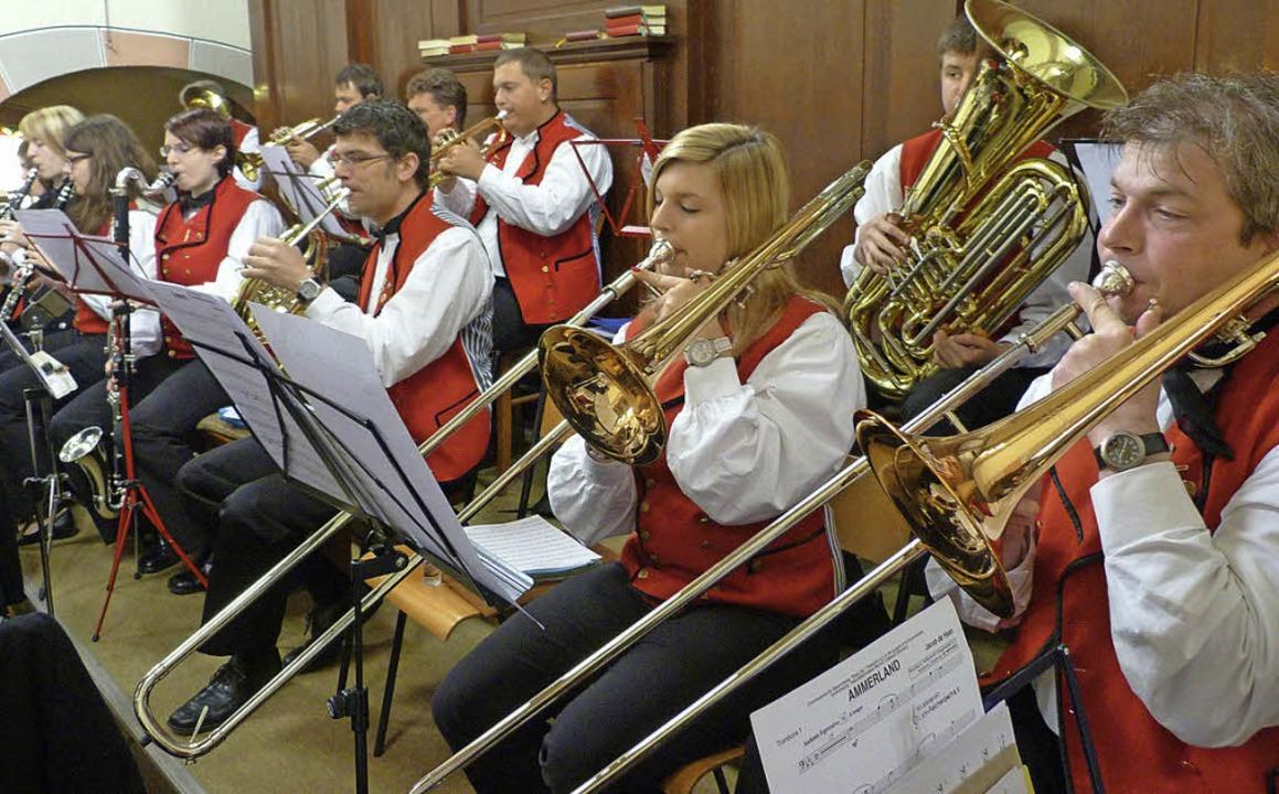 Die Musikkapelle Reichenbach steuert f...d Konzertstücke  zum Gemeindetag bei.   | Foto: Alfons Vögele