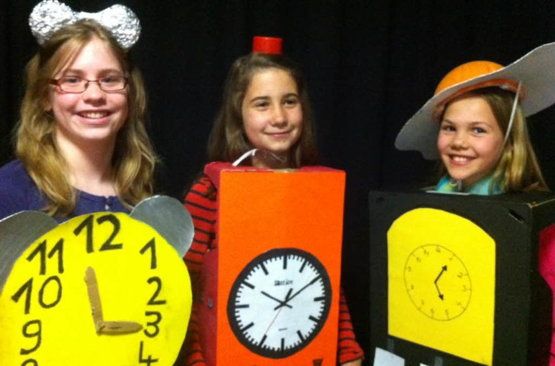 Das Uhrenvolk wehrt sich gegen die Superuhr.   | Foto: Schule