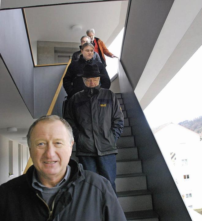 Geschäftsführer Bernhard Kemmerling (v... Bauabschnitts des Baugebiets Jericho.  | Foto: Ralf Staub