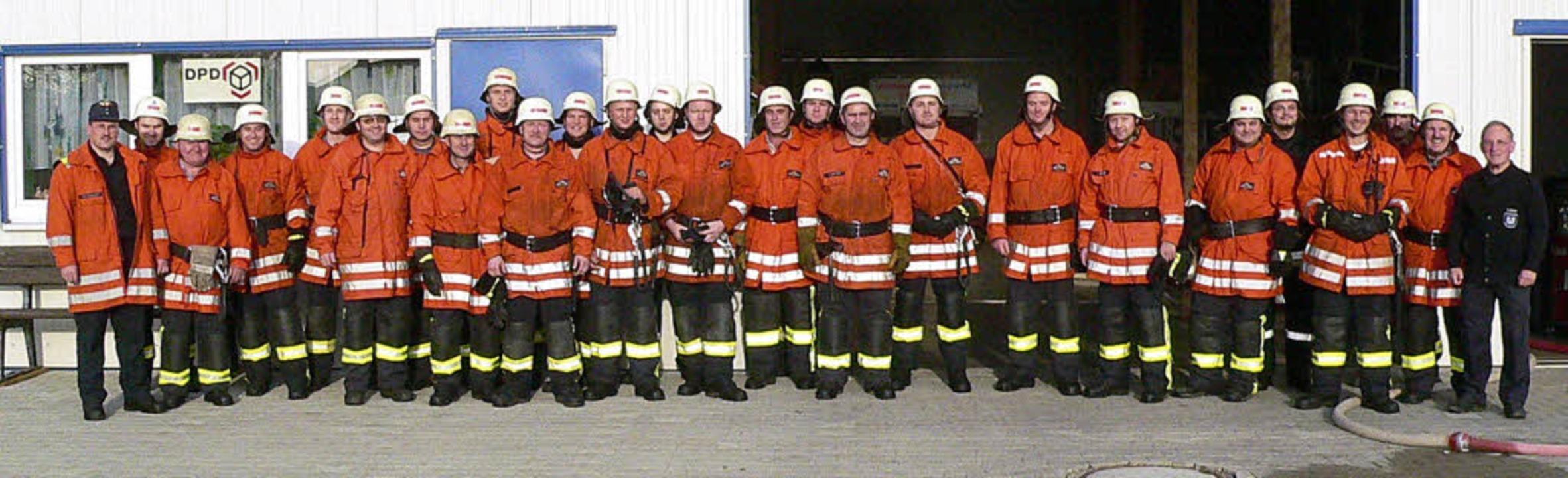Stolz auf die Leistung: Die Abteilung ...reichen Herbstübung am 5.November 2005  | Foto: Eberhard Weiss