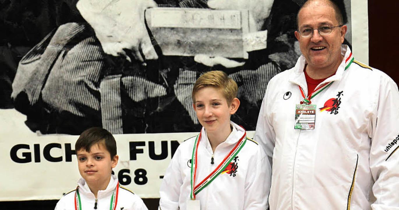 Lukas Vasiu,Tom Nakladal und Hans-Geor...agen. König wurde Vize-Europameister.     Foto: Privat