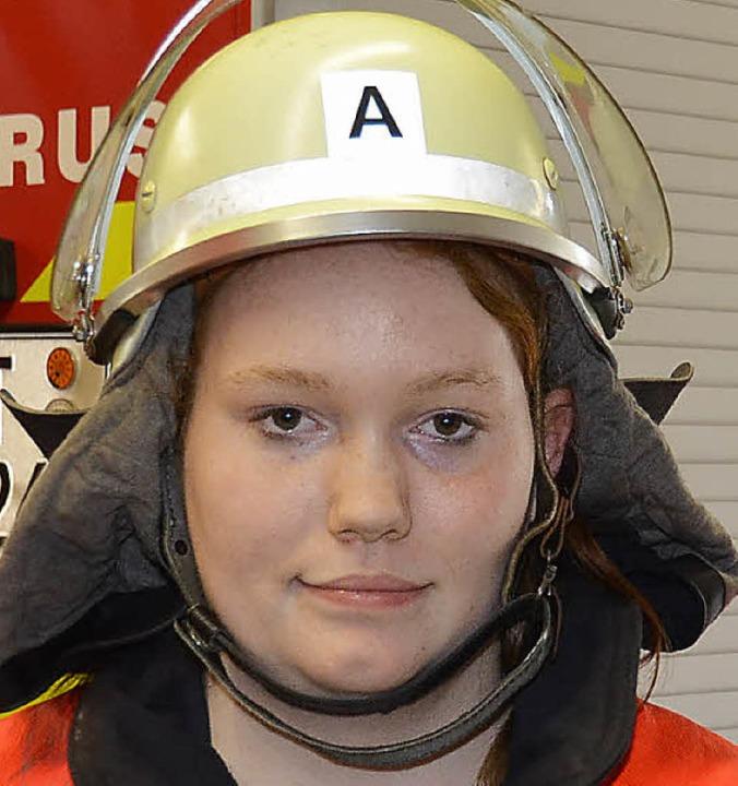 Simone Pfisterer ist Vizejugendleiterin und einzige Feuerwehrfrau in Öflingen.    Foto: Christiane Weishaupt
