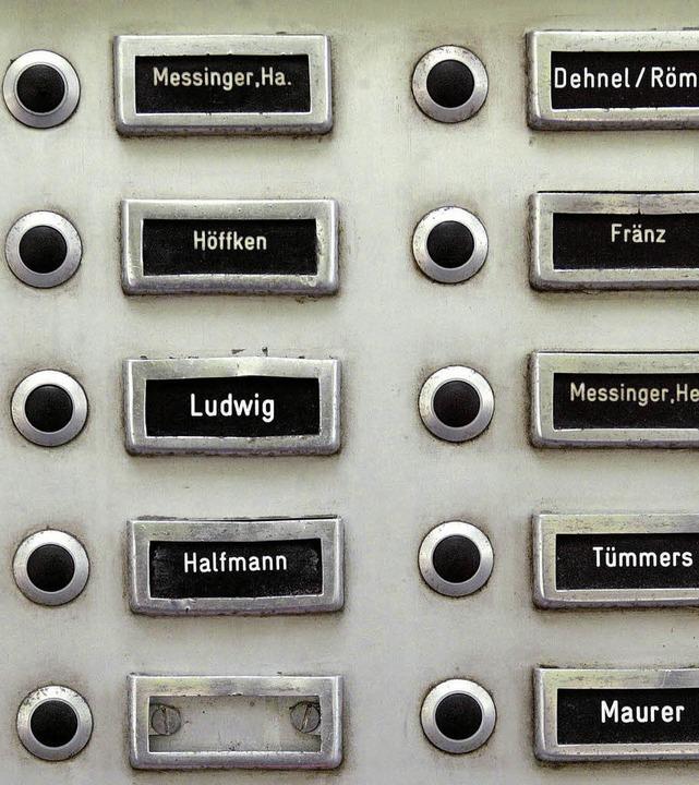 Nicht mehr viel frei: In Freiburg und ... sind bezahlbare Wohnungen Mangelware.  | Foto: ddp/Silvia Faller