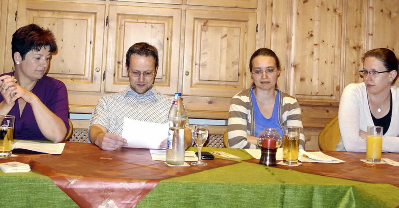 Vorstand der Fasnachtsgesellschaft Sch...na Lang  und Beisitzerin Kathrin Asal     Foto: Karin Maier