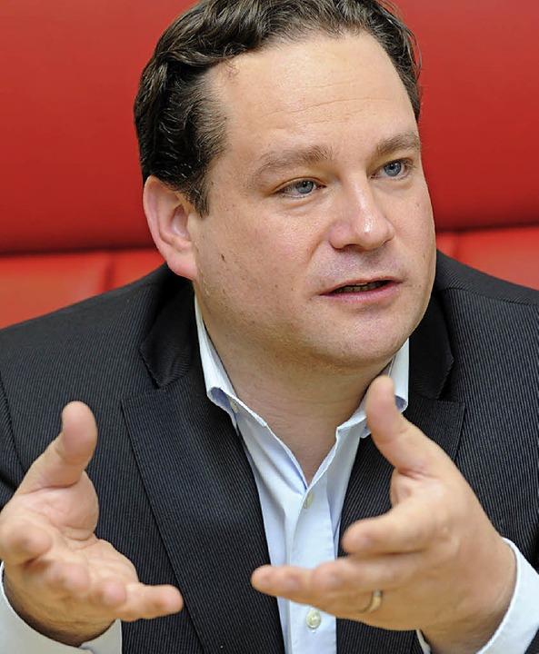 Informiert sich in Murg über den Weg z...omie: Landesminister Alexander Bonde    | Foto: DPA